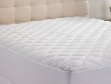 Hanna Kay Hypoallergenic Quilted Stretch to Fit Mattress Pad